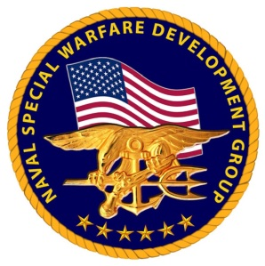 Die United States Naval Special Warfare Development Group (NSWDG) oder DEVGRU, ist eine US-Marine-Komponente von Joint Special Operations Command. Sie wird oft als SEAL Team Six, den Namen seines Vorgängers, der offiziell im Jahr 1987 aufgelöst wurde, bezeichnet. (gemeinfrei)