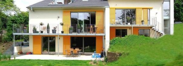 Traumhaus in Essen-Kettwig: Die Souterrain-Wohnung rechts im Bild möchte Gerhard Pühl-Massing gern an eine Flüchtlingsfamilie vermieten.